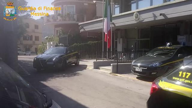 Taormina, in manette l'avvocato del Comune.