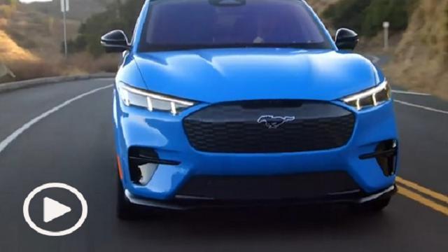 """Da """"muscle car"""" a Suv: Ford presenta la Mustang a emissioni zero"""