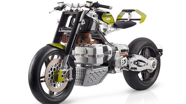 Design e tecnologia ai massimi livelli: ecco Hypertek, la super-moto elettrica che sembra uscita da Mad Max