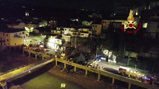 Crolla muro a Montelupo, le immagini dal drone dei vigili del fuoco