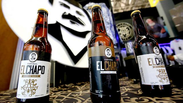 El Chapo, la figlia del re della droga lancia una birra col volto del padre
