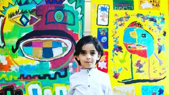 Mikail, pittore prodigio a 7 anni: i suoi quadri venduti a migliaia di euro