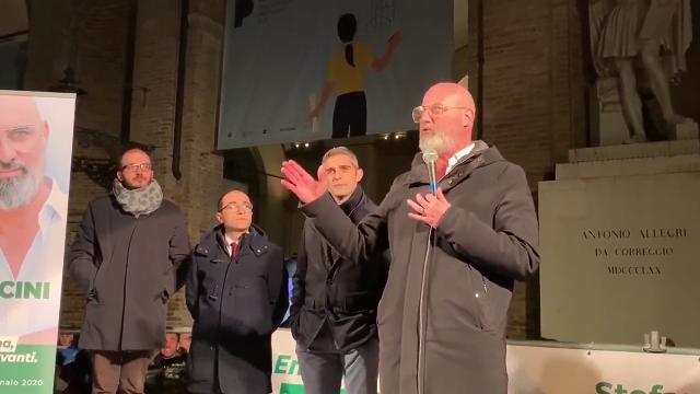 Parma, piazza piena per Bonaccini: