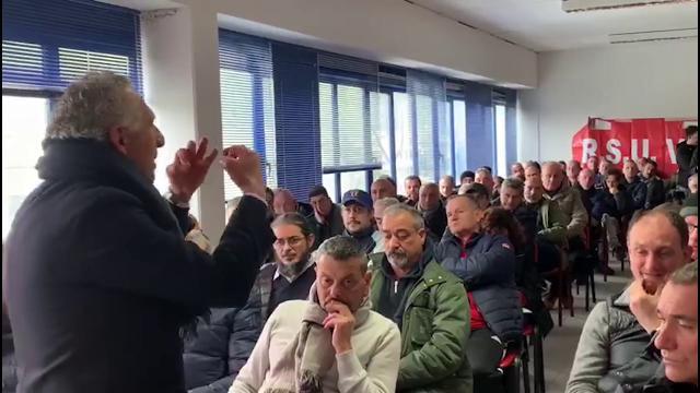 Vinci, il discorso del sindacalista ai 120 lavoratori lasciati fuori dalla fabbrica