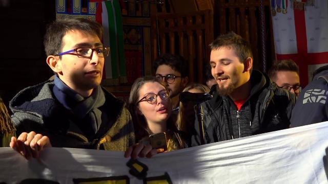 Bologna, corteo per Patrick Zaky: gli studenti cantano
