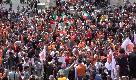 Roma, Gilet arancioni in piazza: insulti a Mattarella e assembramenti