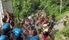 Valsusa, la polizia respinge i No Tav che vogliono ricostruire le barricate: due agenti feriti