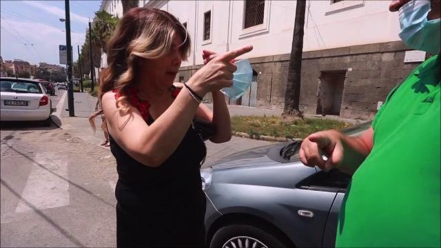 Napoli, i cittadini sconvolti per l'incidente in piazza Carlo III: