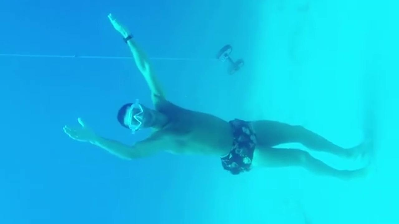 """Cristiano Ronaldo in versione sub, 14 metri sott'acqua: """"Chiamatemi Nettuno"""""""