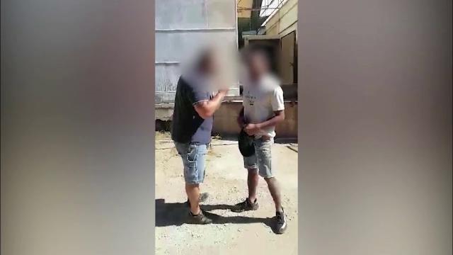 Lavoratore agricolo picchiato dal caporale: aveva minacciato di denunciarlo perché sottopagato