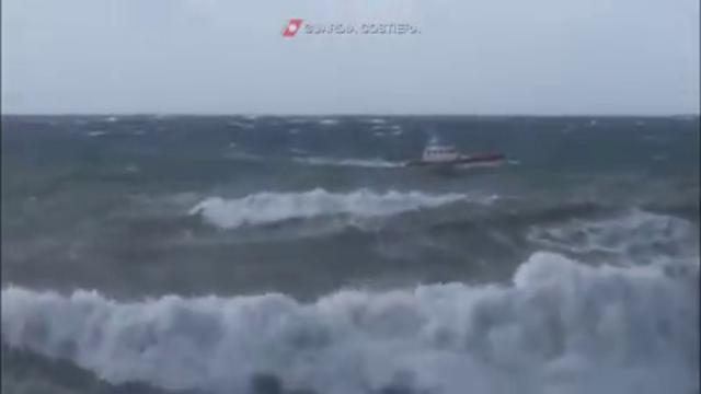 Milazzo, si tuffa in mare per salvare un ragazzo: disperso militare della Guardia costiera