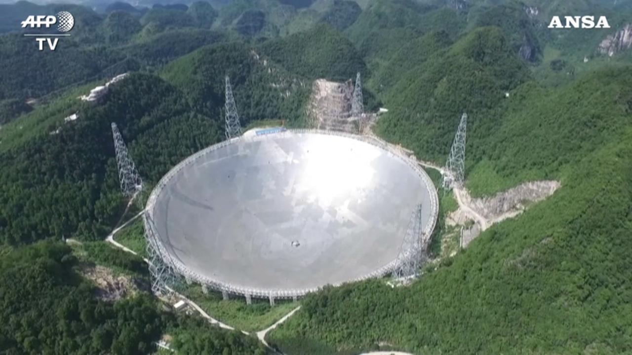 Cina, ecco il più grande radiotelescopio della storia: è come 30 campi di calcio