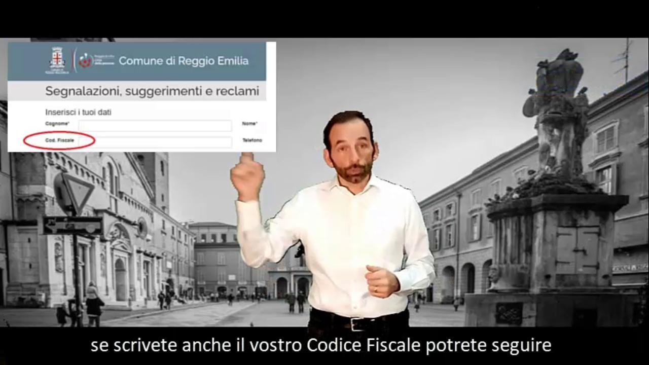 Reggio Emilia, il presidente del Consiglio comunale spiega come si riparano le buche stradali