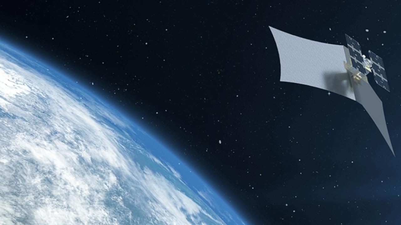 Un nuovo satellite commerciale può spiare le nostre case senza limiti: ecco quali rischi corriamo