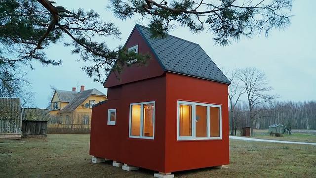 Viene dalla Lettonia la casetta pieghevole che si monta in 2 ore e costa 22.000 euro