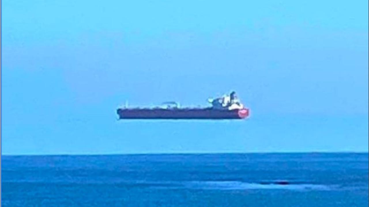 Il mistero della nave 'volante', l'illusione ottica spiegata dal meteorologo