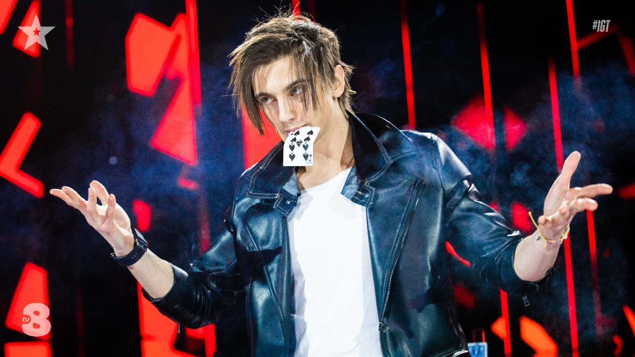 Italia's Got Talent, niente è come sembra: il mago Steven trionfa con i suoi giochi di carte