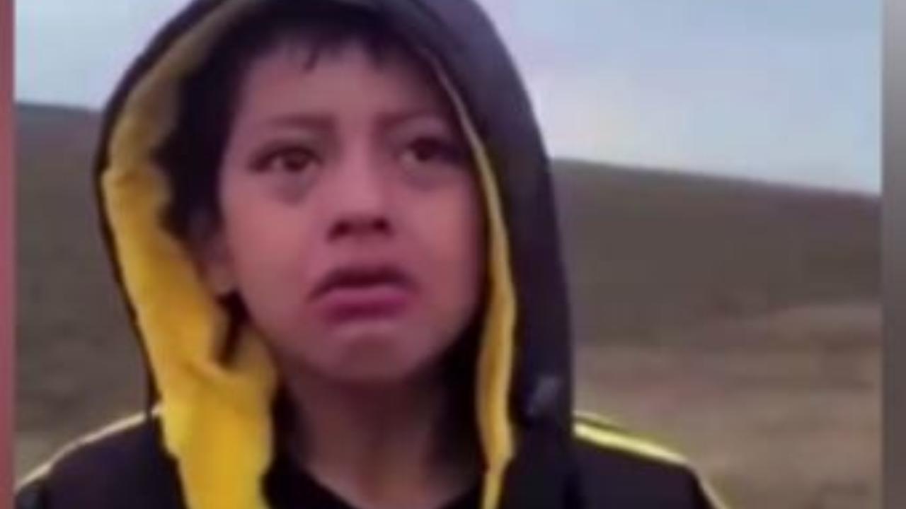USA, solo e abbandonato nel deserto al confine col Messico. La commovente odissea di un bambino migrante