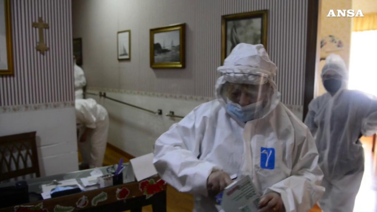 Napoli Casa Di Riposo In Attesa Del Vaccino Abbandonati Dall Asl La Repubblica