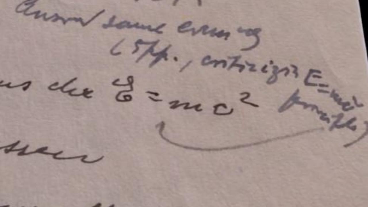 Einstein: in una lettera la famosa formula E=mc2. Sarà venduta all'asta