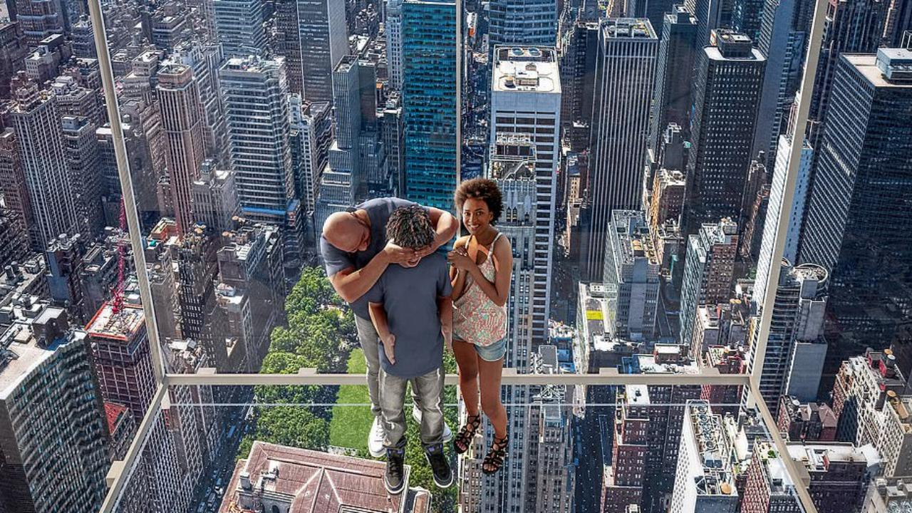 Nasce l'edificiio più alto al centro di Manhattan con un'ascensore da brividi tutto trasparente: il viaggio è di 368 metri nel vuoto