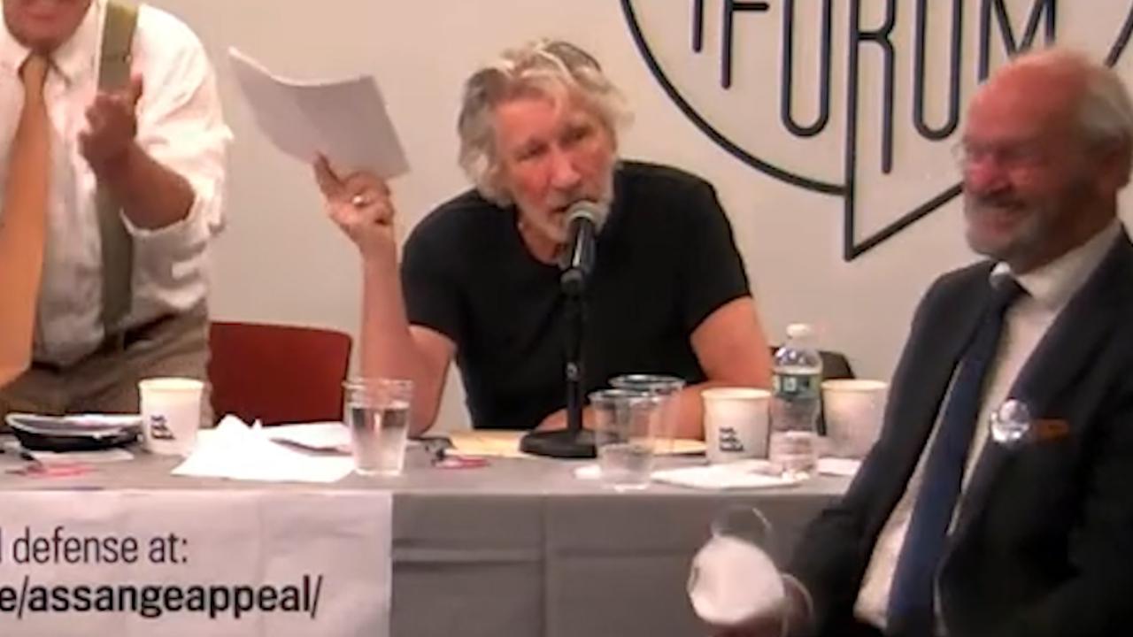 """Roger Waters risponde a Mark Zuckerberg """"Vaff...."""" dopo avergli chiesto l'uso di una sua canzone per uno spot Instagram"""