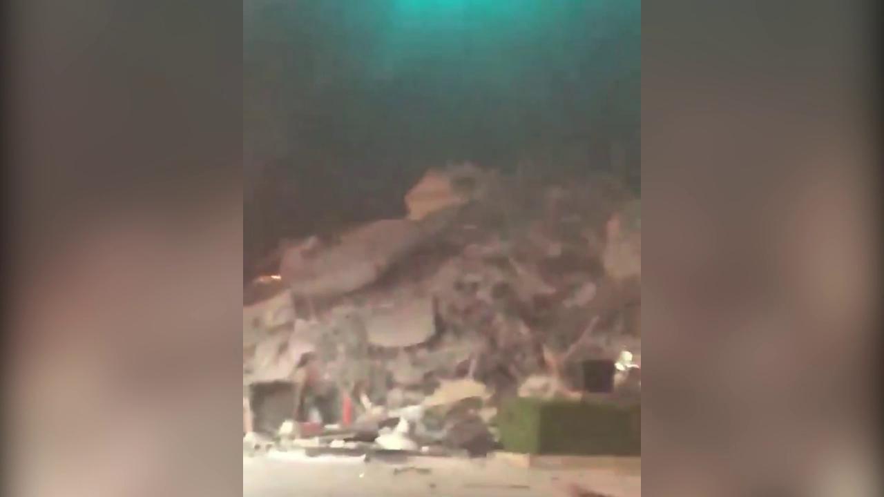 """Miami, crolla un palazzo di 12 piani. Un testimone: """"Guardate, è sbriciolato!"""""""